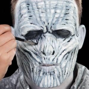 Halloween-Schminkanleitung-White-Walker (20)