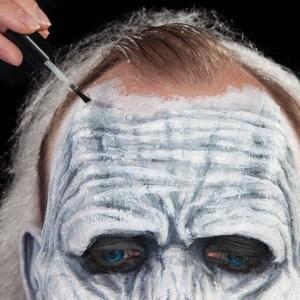 Halloween-Schminkanleitung-White-Walker (25)