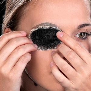 Halloween Schminkanleitung blutiges Auge 8