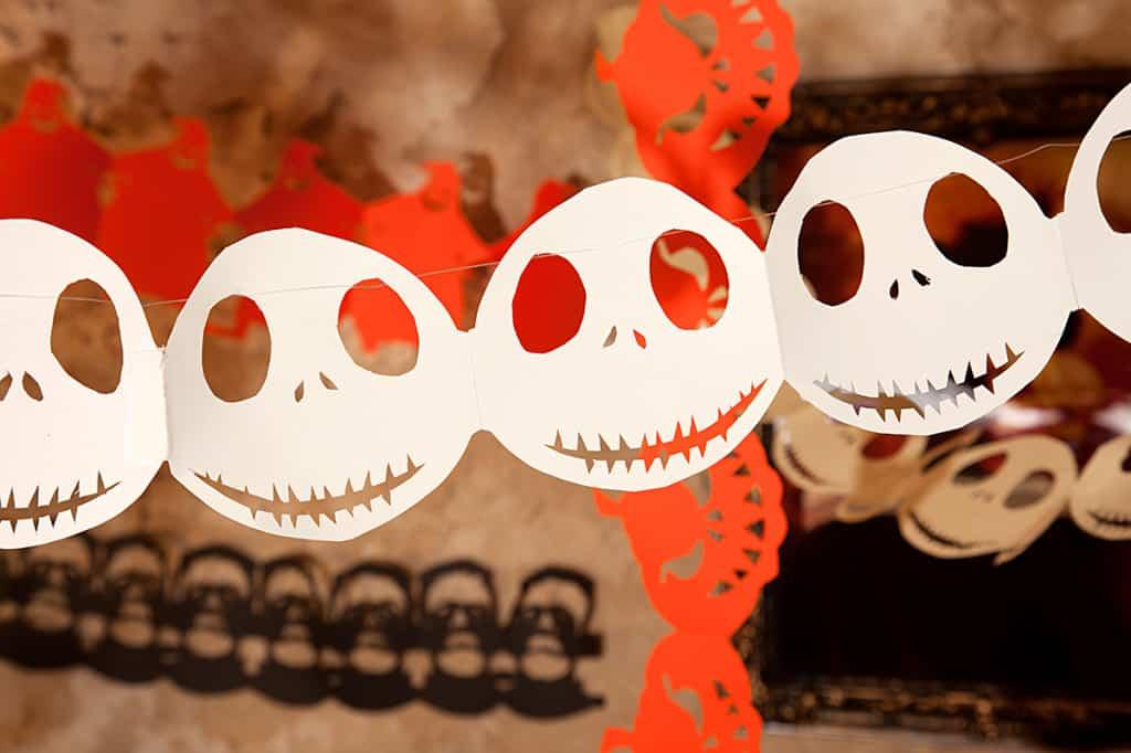 Halloween Girlande zum selber basteln Totenkopf